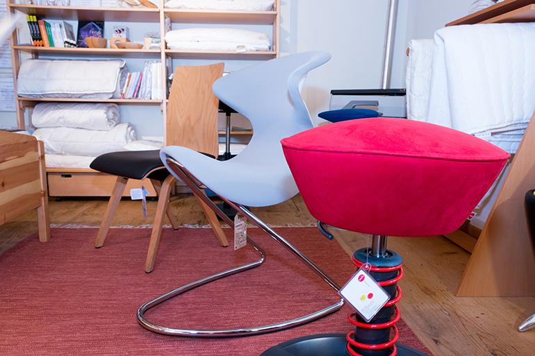 Sit in Rottweil. Gesundes sitzen. Aeris Shopper Schreibtischstuhl, Ayo Bürostuhl, Mozi Esszimmerstuhl